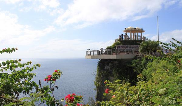 马里亚纳群岛最南端的岛屿