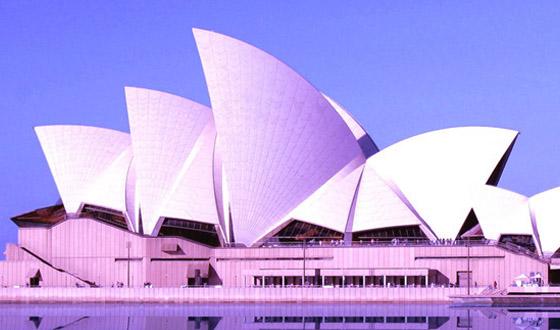 悉尼歌剧院特有的帆船造型